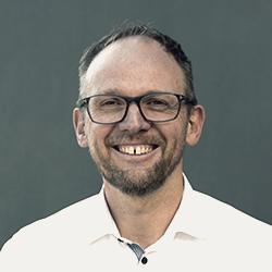 Bilde av Lars. Han utarbeider konsept og pedagogisk innhold i læringsløsninger.